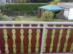 Blick vom Balkon zum Garten